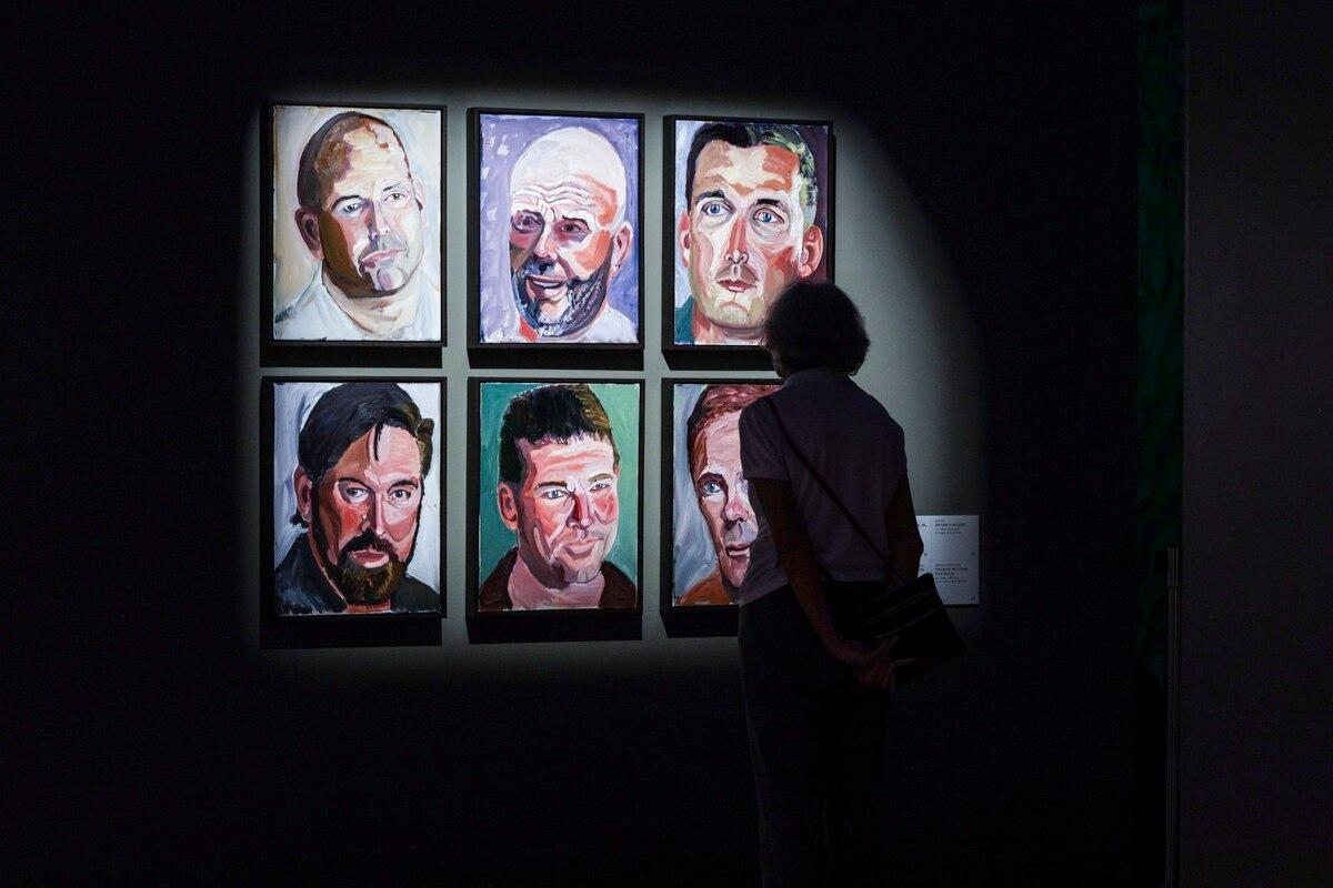 George W. Bush - portraits of veterans make Washington debut