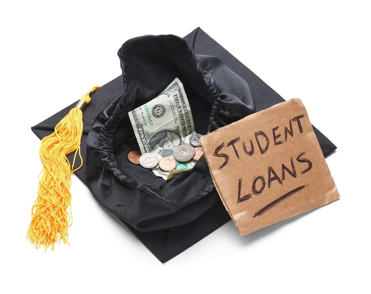 Thumbnail: Troops need more information about this student loan debt forgiveness program. (Michael Burrell)